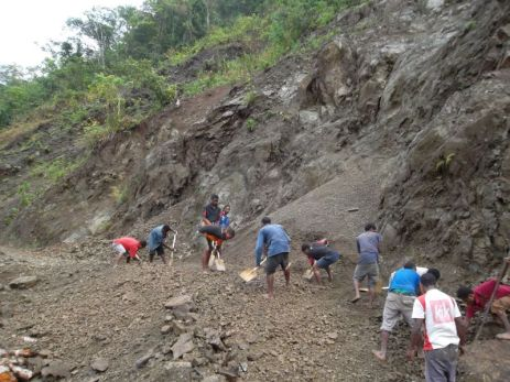 TSHHS Students Help - Goilala Highway (1)