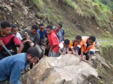 TSHHS Students Help - Goilala Highway (13)