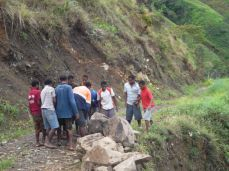 TSHHS Students Help - Goilala Highway (14)