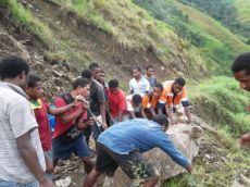TSHHS Students Help - Goilala Highway (15)