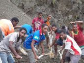 TSHHS Students Help - Goilala Highway (17)