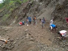 TSHHS Students Help - Goilala Highway (2)
