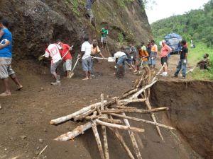 TSHHS Students Help - Goilala Highway (4)