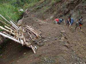 TSHHS Students Help - Goilala Highway (6)