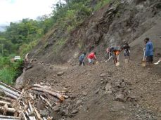 TSHHS Students Help - Goilala Highway (7)