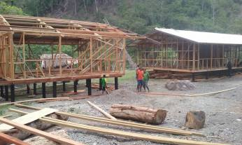 1st classroom block with roof on. 2nd block with roof well underway ( roofing should be completed tomorrow)