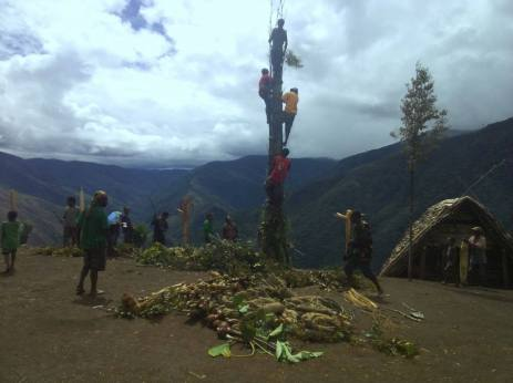Decoration for Opening on Sunday - Sopu Visat Project