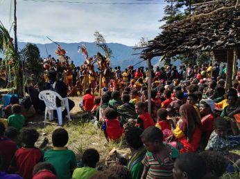 Kambisea Visat Project - The Crowd
