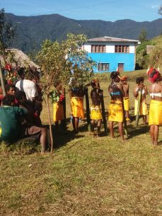Yongai kids prepare to welcome the Member for Goilala - Hon. William Samb into Chirime valley